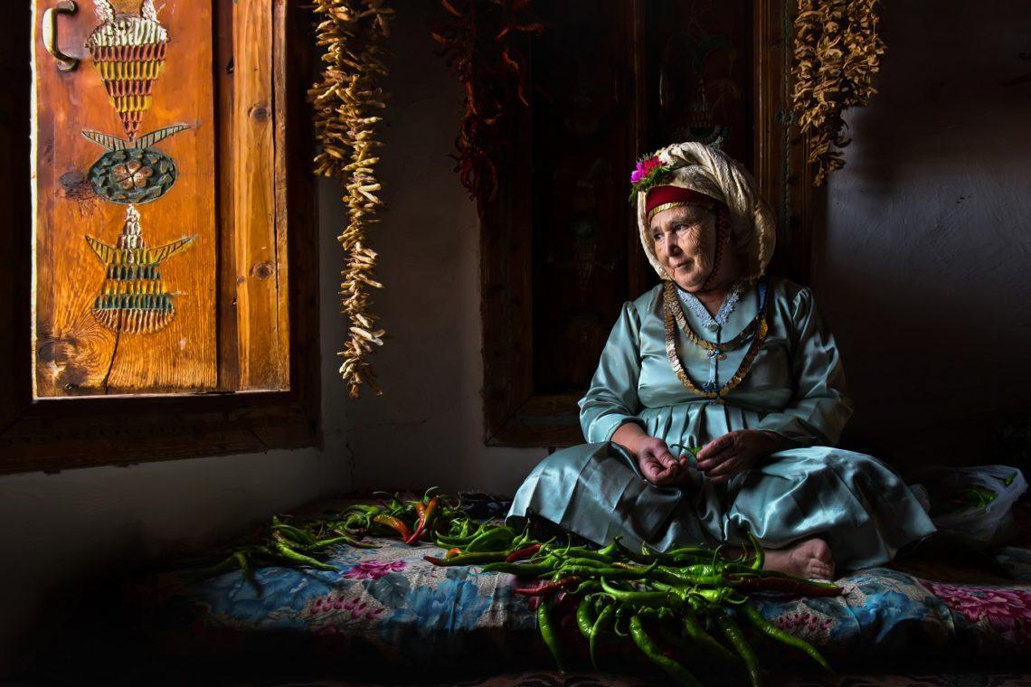"""جائزة حمدان بن محمد للتصوير تنشر الصور الفائزة بمسابقة""""الزيّ ..."""